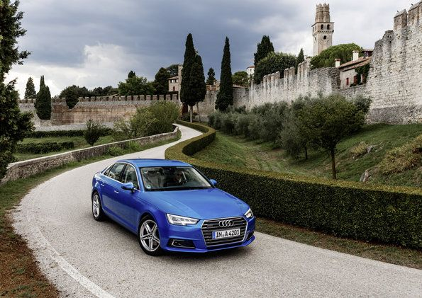 AUDI A4 Static photo, Colour: in crystal effect paint finish Ara Blue